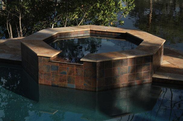 Mediterranean Pool by Wells Design Contracting Inc.
