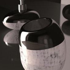 Modern Bath And Spa Accessories by maestrobath