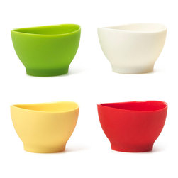 "iSi Silicone P"" Bowls 4 Pack - Perfect for mise en place  the p"" bowls hold small amounts of spices  minced herbs  and sauces.  This allows you to focus on the creative part of your cooking just as professional chefs do.  For easy pouring simply p"" the sides to make your own spout.  The iSi Flex-it�� series offers you high quality  flexible silicone products that support your ingenuity in a practical and elegant way.Product Features                      Heat resistant up to 490  DegreesF          Microwave safe          Dishwasher safe          Capacity - 2 fl oz/60 ml"