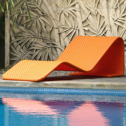 Modern Outdoor Wicker Chaise Lounge