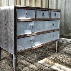 Dresser no. Seventeen - STYLE