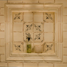 Traditional  by Winslow Interiors