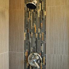 Modern Bathroom by Ohana Construction Inc