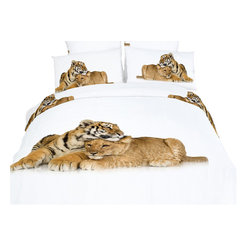 Dolce Mela - Safari Themed Bedding Duvet Cover Set Dolce Mela DM483, Queen - Bring happiness and youth in your bedroom with the beauty of the Devotion bedding design. The vivid print of the baby tiger and lion showing their affection will transform your bedroom into magical safari scenery.