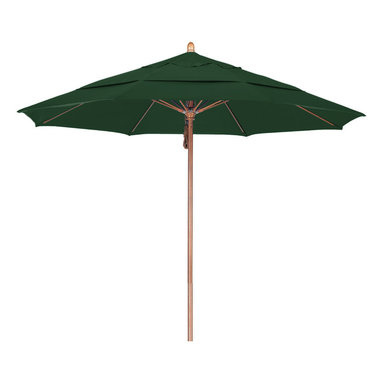 California Umbrella - 11 Foot Sunbrella Fabric Pulley Open Wood Market Umbrella - California Umbrella, Inc. has been producing high quality patio umbrellas and frames for over 50-years. The California Umbrella trademark is immediately recognized for its standard in engineering and innovation among all brands in the United States. As a leader in the industry, they strive to provide you with products and service that will satisfy even the most demanding consumers.