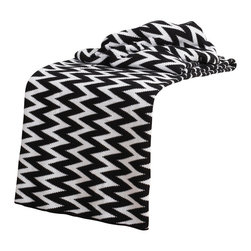 """Rizzy Home - Transitional Black/White Throw (50"""" x 60"""") - Add a cozy layer of warmth to any bed or sofa with this lovely throw."""