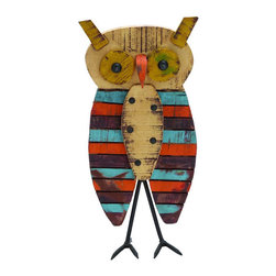 What a Hoot Décor - Owls are some of the wisest creatures around. So they know that adding them to your décor is a smart choice.