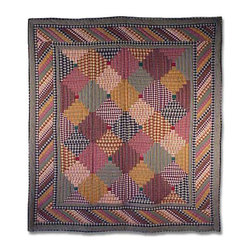 Patch Quilts - Harvest Log Cabin Quilt Twin 65 x 85 Inch - Intricate patchwork and beautiful hand quilting  - Bedding ensemble from Patch Magic  the name for the finest quality quilts and accessories  - Machine washable  - Line or Flat dry only Patch Quilts - QTHLC