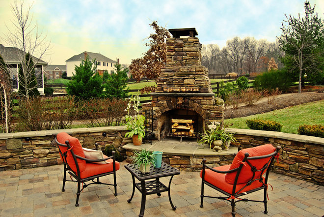 Traditional Patio by Holloway Company Inc.