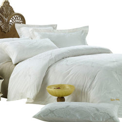 Dolce Mela - Jacquard Luxury Linens Bedding Duvet Covet Set Dolce Mela DM446, King - One touch and you will feel the excellence of achievement in luxury bedding on this sateen jacquard duvet cover set decorated with embroidery border and reverses to solid white.