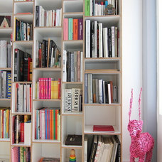 Modern Bookcases by Handwerk Interiors