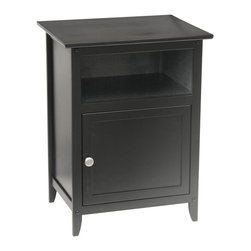 Winsomewood - End / Night Table - The simplistic elegance of a Shaker style end table renders it the perfect accompaniment for your bedroom. It fits in with traditional decor, but it could also add the right tone to farmhouse style or even a more eclectic look. That's the beauty of the Shaker style — it looks fantastic anywhere you put it.