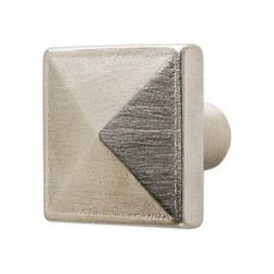 Rocky Mountain Hardware Mack Knob (K21001) - Geometrically pleasing, our Mack Collection is characterized by soft, angular planes that highlight the artistry of hand-cast bronze. Offered in an assortment of versatile profiles, each with a hand-applied patina that grows richer and deeper with age.