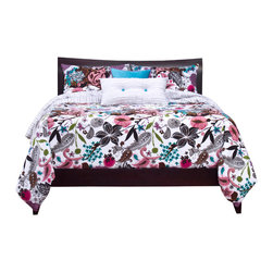 SIS Covers - SIS Covers Garden Fantasy White Duvet Set - 6 Piece Full Duv - 5 Piece Twin Duv Duvet 67x88, 1 Std Sham 26x20, 1 16x16 dec pillow, 1 26x14 dec pillow. 6 Piece Full Duv Duvet 86x88, 2 Std Shams 26x20, 1 16x16 dec pillow, 1 26x14 dec pillow. 6 Piece Queen Duv Duvet 94x98, 2 Qn Shams 30x20, 1 16x16 dec pillow, 1 26x14 dec pillow. 6 Piece California King Duv Duvet 104x100, 2 Kg Shams 36x20, 1 16x16 dec pillow, 1 26x14 dec pillow6 Piece King Duv Duvet 104x98, 2 Kg Shams 36x20, 1 16x16 dec pillow, 1 26x14 dec pillow. Fabric Content 1 100 Polyester, Fabric Content 2 100 Polyester, Fabric Content 3 100 Polyester. Guarantee Workmanship and materials for the life of the product. SIScovers cannot be responsible for normal fabric wear, sun damage, or damage caused by misuse. Care instructions Machine Wash. Features Reversible Duvet and Shams.