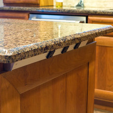 Traditional Kitchen Lighting And Cabinet Lighting by Task Lighting