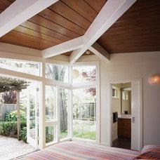 Modern Bedroom by Chr DAUER Architects