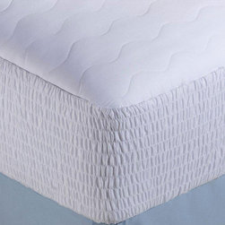Nautica - Nautica 300 Thread Count Egyptian Cotton Mattress Pad - Add a layer of comfort to your mattress with this Egyptian-cotton mattress pad from Nautica. These 300-thread-count mattress pads are available for beds from twin to king-size,all stuffed with a 100 percent polyester filler material for softness.