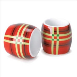 Perfectly Plaid Napkin Rings - Though these napkin rings have all the right colors to use in a Christmas tablescape, don't save them just for Christmas.  Pull them out and use them any time of the year.