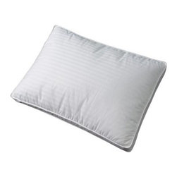 Southern Textiles Triple Chamber Down and Feather Bed Pillow - Standard/Queen - Much like the fitted sheet, flat sheet, and blanket layer the bed with cozy comfort, the Southern Textiles Triple Chamber Down and Feather Bed Pillow - Standard/Queen has three dimensions that make for one superiorly luxurious pillow. Its inner chamber is filled with white goose feathers, their quills acting as natural springs that help the pillow retain its shape over time. The outer chamber is stuffed with soft white goose down. It's all encased in a smooth, double-layer 100% comber cotton cover. Available in standard/queen and king/California king sizes.About Fashion Bed GroupFashion Bed Group is a Leggett and Platt Company known for its innovative fashion beds, daybeds, futons, bunk beds, bed frames, and bedding support. Created in 1991, Fashion Bed Group is a large consolidation of three leading bed manufacturers. Its beds are manufactured of genuine brass, plated brass, cast zinc, cast aluminum, steel, iron, wood, wicker, and rattan. Fashion Bed Group's products are distributed throughout North America from warehouses located in Chicago, Los Angeles, Houston, Toronto, and Ennis, Texas.