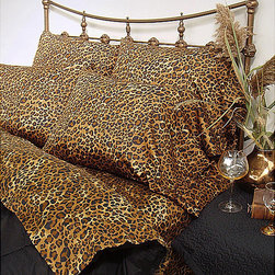 None - Wildlife Leopard Cal King-size Sheet Set - Capture the spirit of the wild with this 4-piece cal king-size sheet set. Constructed of 100-percent cotton,this sheet set features a sateen weave for soft comfort and a vibrant finish.