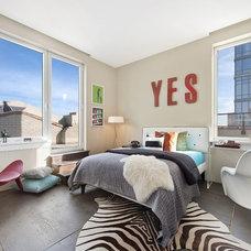 Modern Bedroom by AQ Interior Design