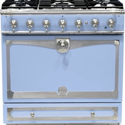 La Cornue Albertine Provence Blue Stove - When I grow up, I'm going to have this stove in my house. I've never seen anything like it.