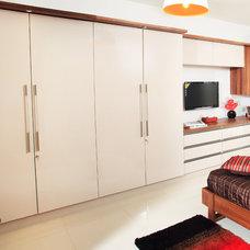 Contemporary Bedroom by Savio & Rupa Interior Concepts (Bangalore)