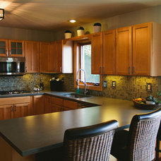 Traditional Kitchen by The Divine Living Space