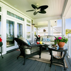 Traditional Deck by Bay Area Contracting, Inc.