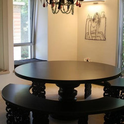 MODO design - Black Table1 - Black round dining table with 2 half circle benches