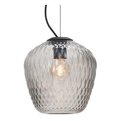 andTradition - &Tradition Blown SW3 - Blown is Samuel Wilkinson's first lamp for &tradition. A mouth-blown pendant lamp with a quilted pattern, it comes in two versions: a translucent variant with a silver lustre and a sandblasted one.