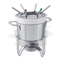 Cuisinox - Cuisinox Elite 2 qt Steamer Insert - A good way for vegetables to retain their nutrients and color is to steam them as opposed to boiling them. Simply insert this steamer into a 18 cm saucepan (POT318) and the boiling water in the receiving pot provides hot steam to the steamer above. Use the receiving pot's cover on the steamer above to seal in maximum heat.