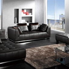Modern Sofas by EuroLux Furniture