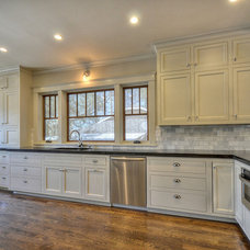 Traditional Kitchen by Indie Capital