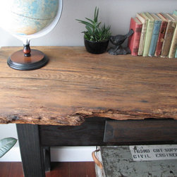 Rustic console table - Up close view of console table top