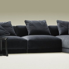 Contemporary Sofas by Homewoods Creation