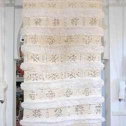 Vintage Moroccan Wedding Blanket 659 - Yep, I'm still coveting the beautiful Moroccan wedding blankets. Maryam of My Marrakesh has a beautiful collection for sale. I want to hang one behind my bed — wouldn't that be beautiful?