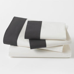Modern Border Ink Sheet Set - Black and white is one of my favorite color combinations. This gives the feel of crisp white sheets but with added black contrast on the edges.