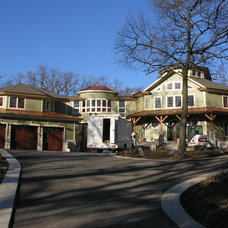 Traditional  by J. Hershey Architecture