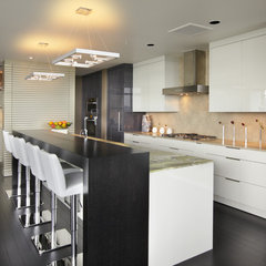 modern kitchen by Faith Cosgrove