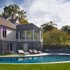 Traditional Pool by Eck | MacNeely Architects inc.