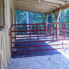 These outside paddocks or temporary guest horse stables are installed with horse