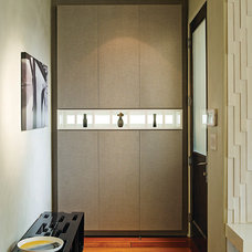 Contemporary Entry by LOCZIdesign