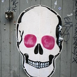 Walls Republic - Street Art Wallpaper Mural M8999 - Street Art is an urban inspired mural with street inspiration. It is great for a hip child's room with its graffiti and skull imagery. Due to this item being a custom order, it takes longer to ship than our regular products.