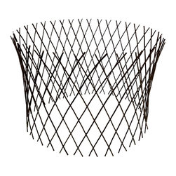 "Master Garden Products - Circular Willow Lattice Fence, Expandable to 30""H x 60""D - Our circular willow flexible fence panel is as useful for low fences and border edging as it is for trellises. It will extend to form a garden circle. Each one of these versatile, lightweight, circular fences stretches from 1 to 4 in height depending on how long it would expand (the fence becomes shorter as its stretched longer). Our willow circular fence will expand to form a circle up to a maximum 60 diameter at 30 high. Can be extended to various widths and heights depending how far you want it to stretch. Use them for protecting flowers, plants, while adding a nice ornamental pattern to your garden. Constructed from diagonally attached willow sticks, willow fences are extremely durable and the natural wood material blends right into your outdoor settings."