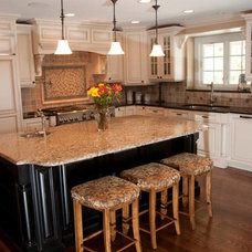Traditional Kitchen by Bradford And Kent