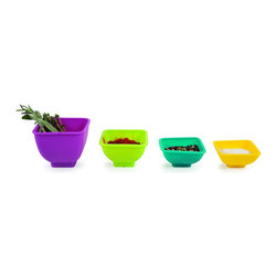 Essential Silicone 4 Piece Square Pinch Bowl Set - Taipei - Flexible and easy to clean, the Core Kitchen Taipei 4 Piece Square Pinch Bowl Set is an excellent set of pinch bowls for your kitchen prep. These colorful and flexible silicone bowls pinch together to easily pour ingredients and are perfect for holding spices, sauces, condiments and baking ingredients.