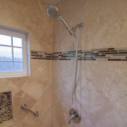 Bath in HomeCrest, Laurel Sq., Maple, Sorrel, Ebony - Light Travertine tiles with Mosaic