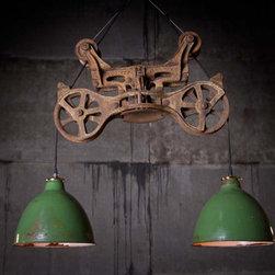 Hay trolley suspended lamp -