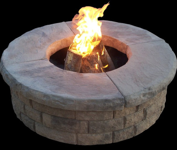 Traditional Fire Pits by Home and Hearth Outfitters